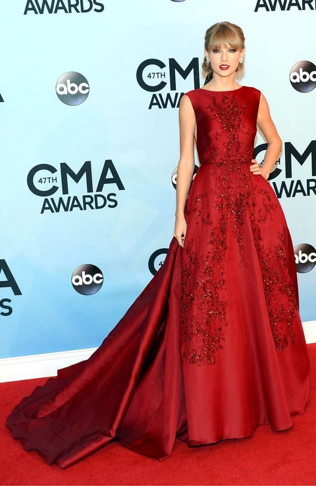 Taylor Swift Fashion 25 Cutest Taylor Swift Outfits To